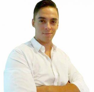 alejandro headshot