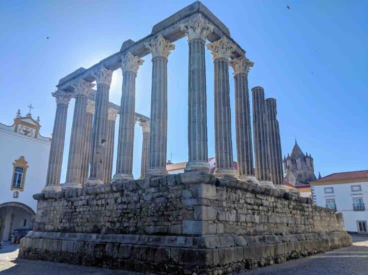 Templo Romano Évora, Roman Ruins in Évora, Portugal.