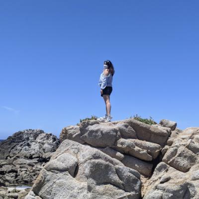 ivonne hiking